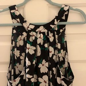 NWOT TORRID floral tank top in a high low style